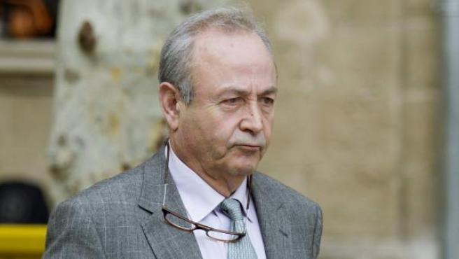 El juez instructor del caso Nóos, José Castro, abandonando los juzgados de instrucción de Palma de Mallorca tras un receso.