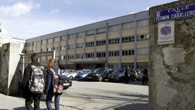 Vista de la entrada al colegio Valdeluz Agustinos del distrito Fuencarral-El Pardo de Madrid.