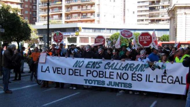 Manifestación convocada por la plataforma Totes Juntes en Valencia