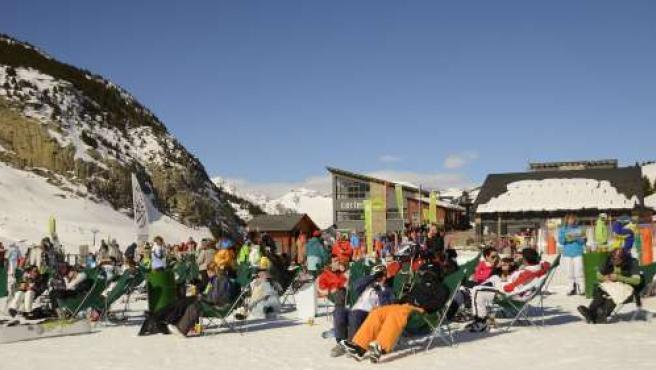 Casi 45.000 esquiadores durante este fin de semana en las estaciones de Aramón.
