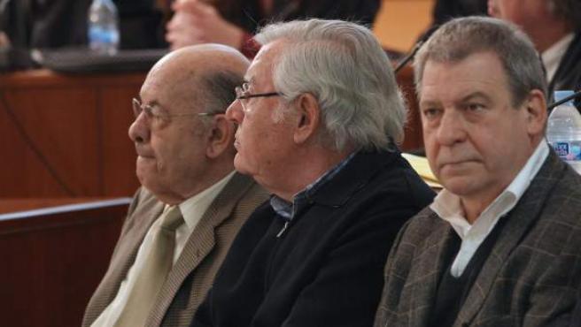 Félix Millet (i) y Jordi Montull (c), en el banquillo de los acusados junto a Carles Díaz, el arquitecto que diseñó el hotel de lujo que finalmente no se construyó junto al Palau de la Música.