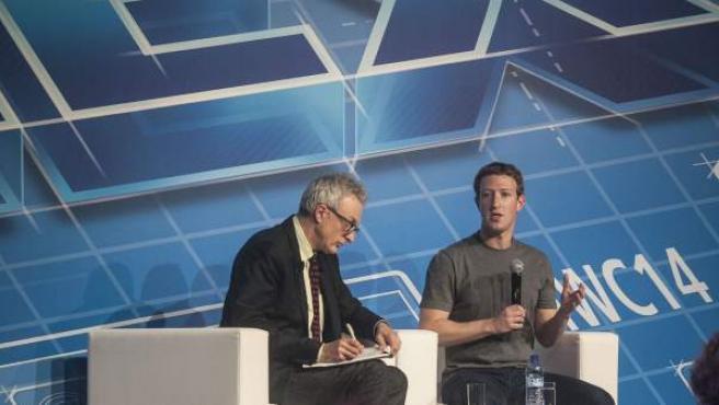 Mark Zuckerberg, fundador de Facebook, durante la conferencia que ha ofrecido en el Mobile World Congress de Barcelona.
