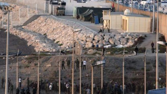 Imagen de archivo de la playa del Tarajal, en la frontera de Ceuta con Marruecos.