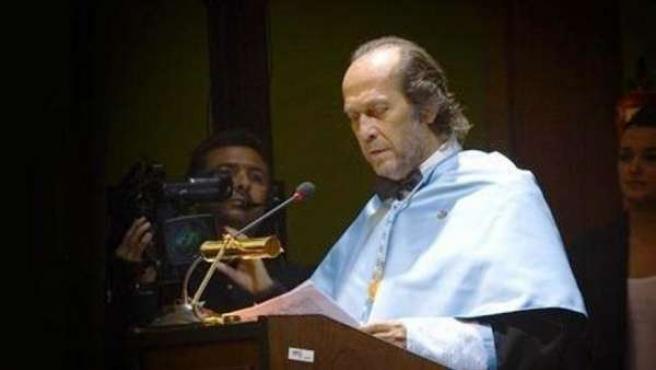 Paco de Lucía investido doctor Honoris Causa de la UCA
