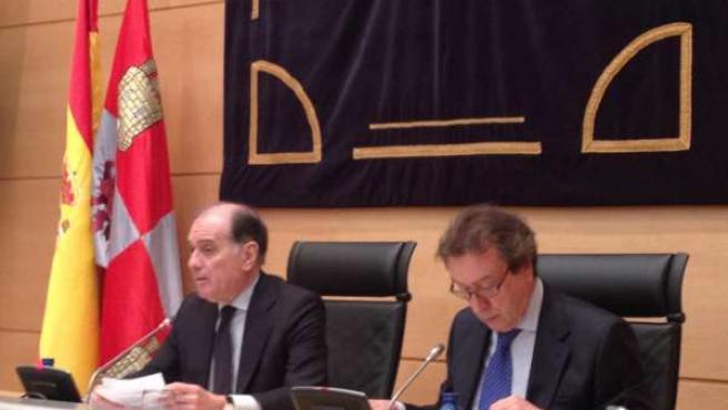 Los consejeros de Castilla y León Tomás Villanueva y José Antonio de Santiago