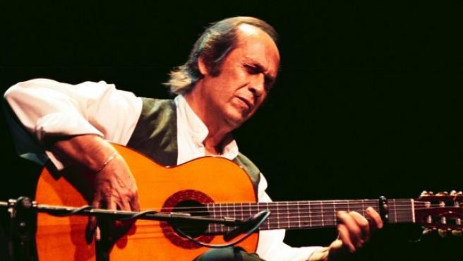 El guitarrista Paco de Lucía, el más internacional de los flamencos contemporáneos, durante un concierto en Málaga.