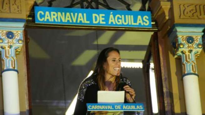 Amaya Valdemoro leyendo el pregón