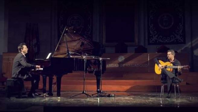 'Al Aire', Con Raúl Olivar A La Guitarra Y Miguel Ángel Recio Al Piano
