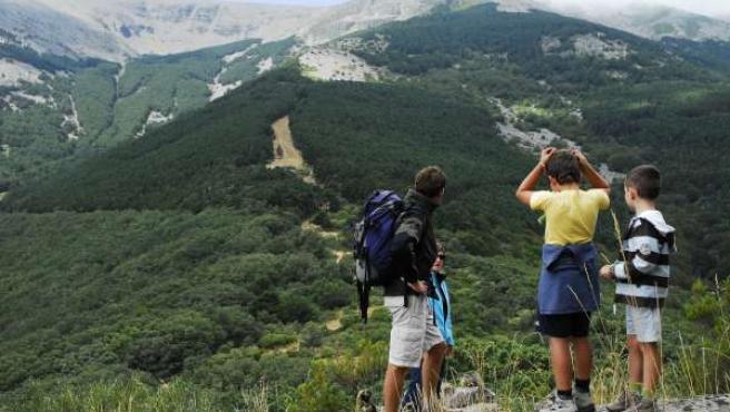 Excursionistas En El Moncayo (Zaragoza)