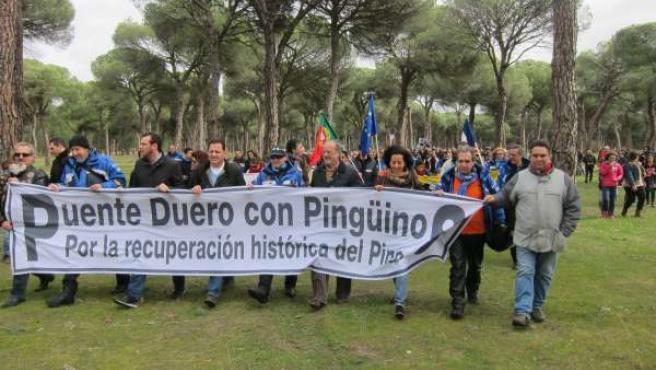 Movilización en Puente Duero por la dinamización del barrio y mantener Pingüinos