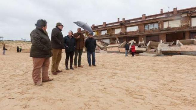 Visita a los daños del temporal en Somo