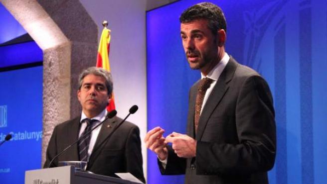 El consejero de Presidencia, Francesc Homs, y el de Territorio y Sostenibilidad, Santi Vila, durante la rueda de prensa posterior al consejo ejecutivo.