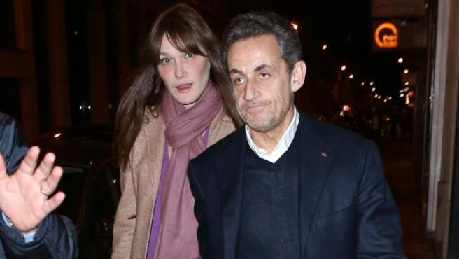 El expresidente de Francia Nicolas Sarkozy y la modelo Carla Bruni, en una imagen de archivo.