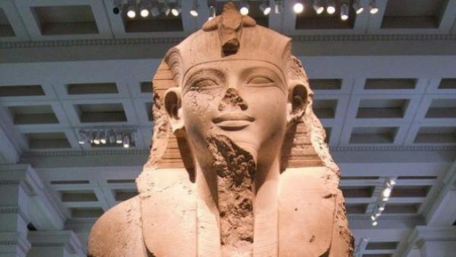 Busto de Amenhotep III (1390-1352 a.C.)