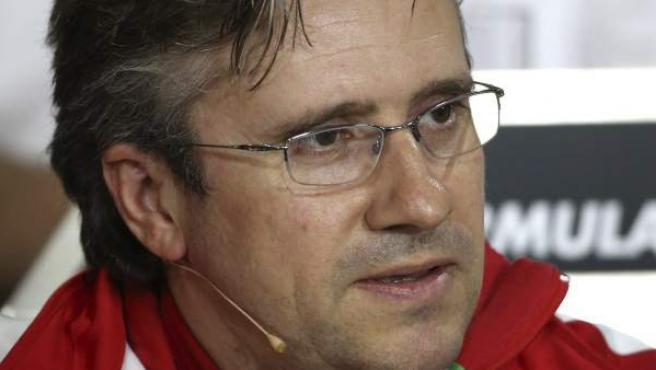 Pat Fry, el jefe de ingenieros de Ferrari, durante una comparecencia con la prensa internacional en el Gran Premio de Alemania de 2013.