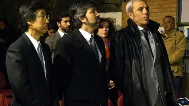 El embajador de Japón en España, el alcalde de Coria del Río y José Japón