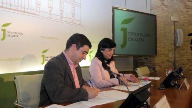 Firma de convenio entre la Diputación de Jaén y el Ayuntamiento de Torredelcampo