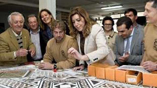 Susana Díaz visita el Mosaico Romano de Casariche