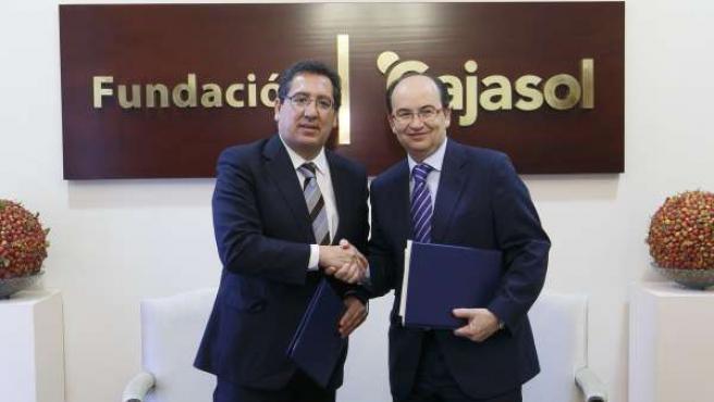 Fundaciones Cajasol y Centenario del Sevilla fomentan el deporte
