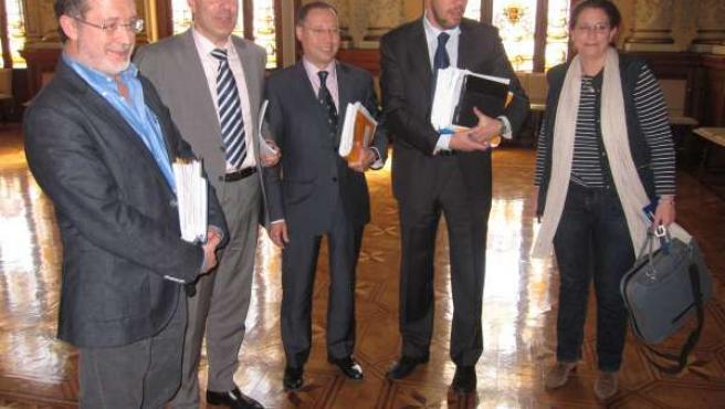 Integrantes de la Comisión sobre la parcela de Finca Zambrana