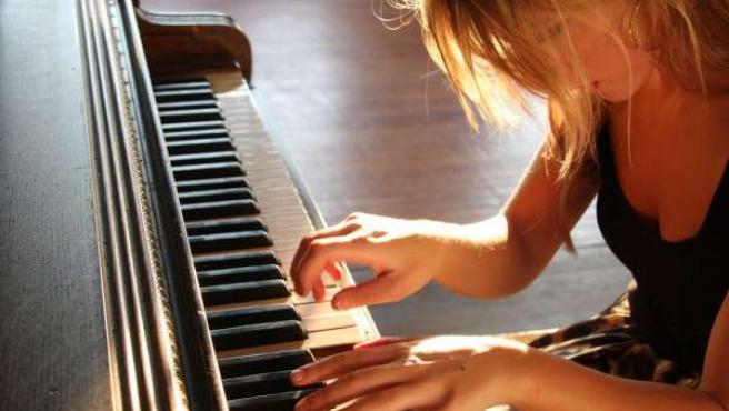 Ariadna Castellanos al piano