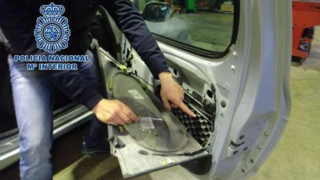 Vehículo en el que ocultaba la droga incautada en Melilla