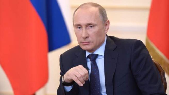 El presidente ruso, Vladímir Putin, habla sobre la situación en Ucrania durante un encuentro con periodistas.