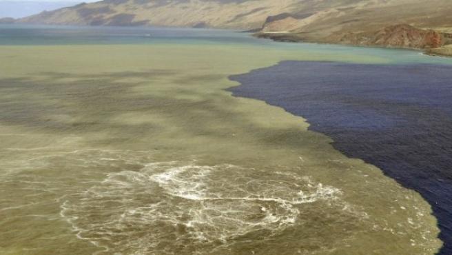 Imagen de la costa sur de la isla de El Hierro, afectada por las emisiones de lava, en una imagen obtenida este domingo.