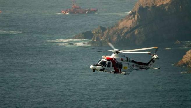 Rescate pesquero 'Santa Ana' en el Cabo Peñas