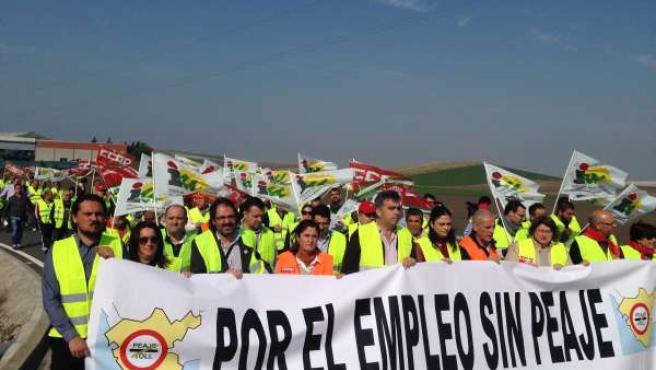 Protesta en favor de la eliminación del peaje de la AP-4