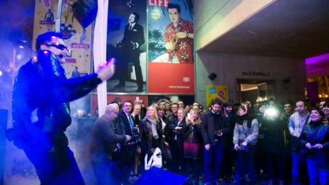Chimo Bayo en la inauguración de la exposición 'Ídolos Pop'