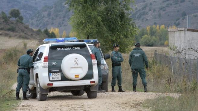 Agentes de la Guardia Civil en tareas de búsqueda.
