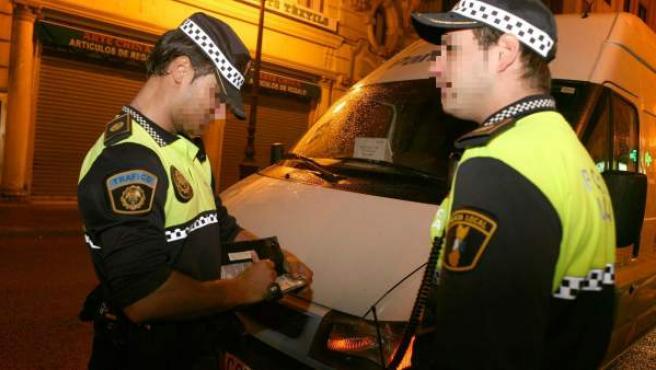 Imagen de archivo de agentes de policía local sevillanos.