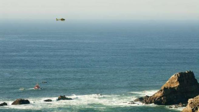 Rescate barco hundido en el cabo Peñas