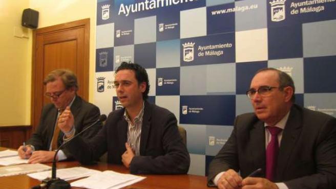 El concejal Raúl Jiménez y el gerente de Limasa, Rafael Arjona