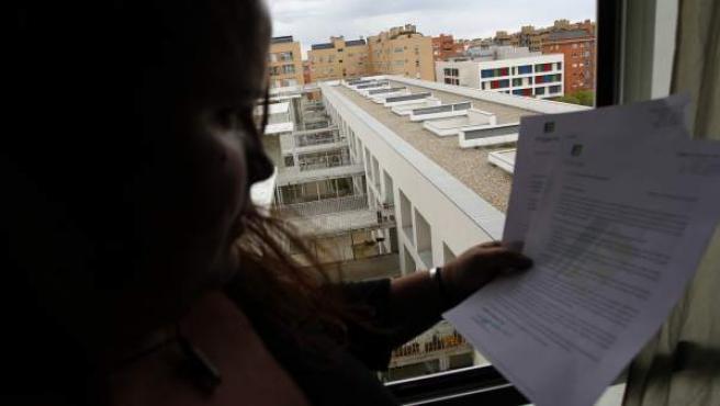 Jimena, una exinquilina de la Empresa Municipal de la Vivienda de Madrid a la que Fidere amenaza con desahuciar si no paga las cuotas atrasadas.