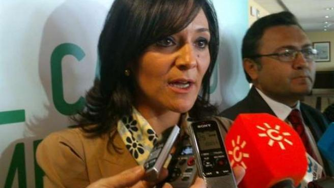 La secretaria política municipal PSOE A rafaela crespín