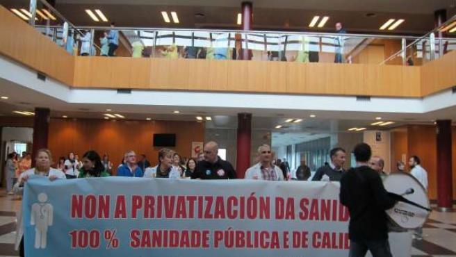 Protesta en el CHUS contra la privatización de la sanidad