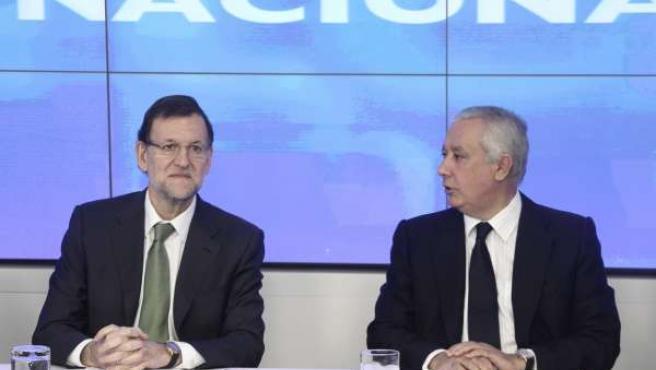 Mariano Rajoy y Javier Arenas, en Génova