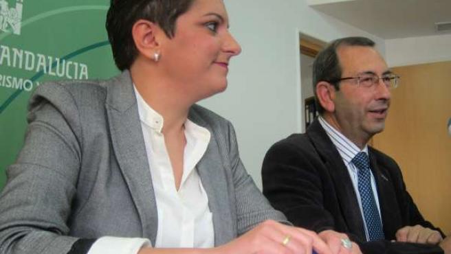 María del Carmen Cantero y Juan Antonio Saéz, en la rueda de prensa.