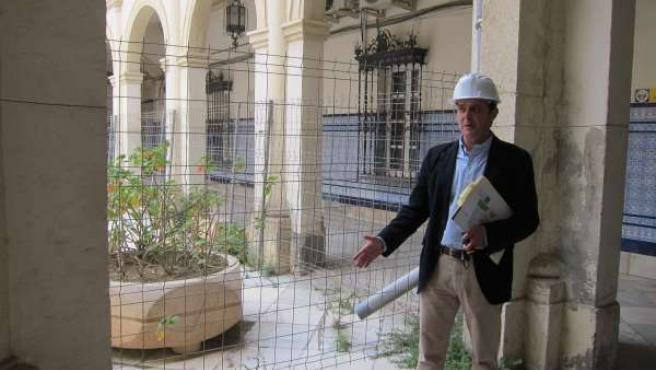El vicepresidente de la Diputación de Almería en el Hospital Provincial