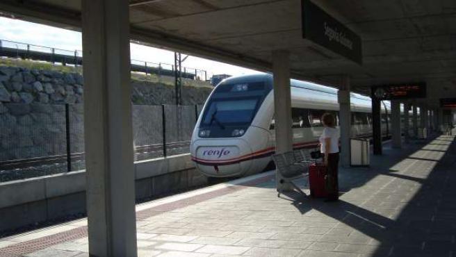 AVE Madrid Segovia Valladolid