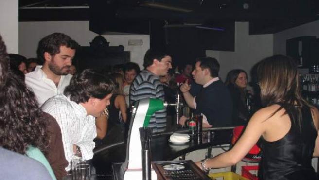 Las ventas del sector ocio en Madrid han sufrido una gran caída, según los hosteleros.