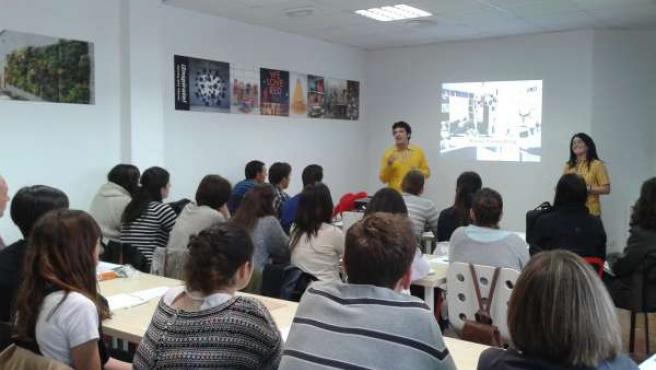 Clase de formación para los empleados de la nueva tienda Ikea en Alfafar