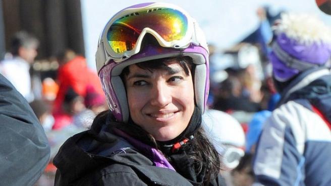 Irene Villa, practicando esquí.