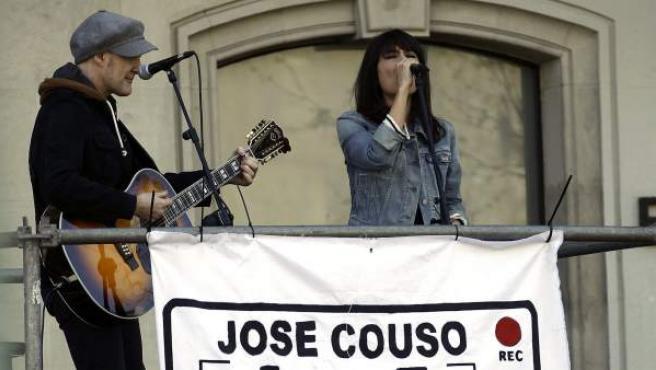 El grupo Amaral durante su actución en el homenaje por la muerte de José Couso en Irak.