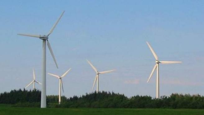 Imagen de una turbina eólica en Dinamarca.