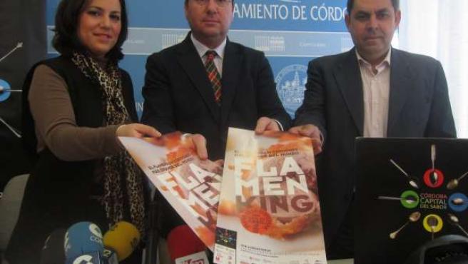 Presentación del evento por el flamenquín más grande del mundo