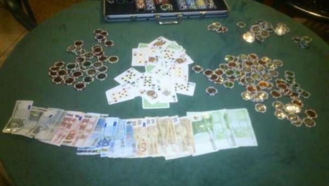 Material intervenido en un local ilegal de póquer en Vélez Málaga