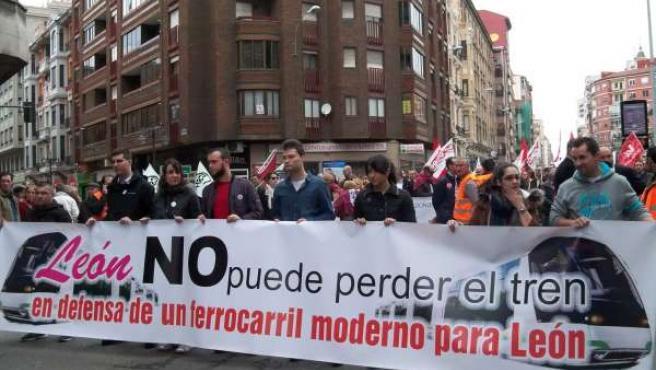 Manifestación por la defensa de la integración del ferrocarril y llegada del AVE